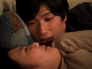 Gormless Japanese teen makes out with boyfriend